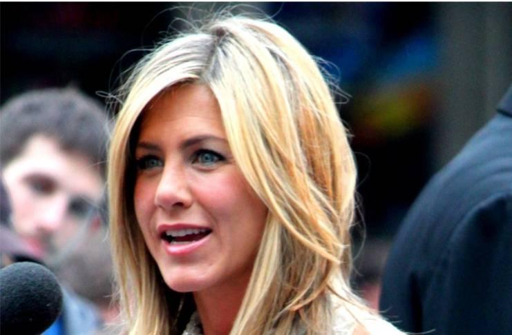 Ellen DeGeneres allegedly in love with Jennifer Aniston