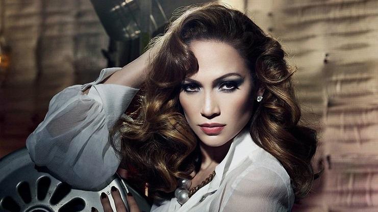 Jennifer Lopez stays away from fruits, salmon