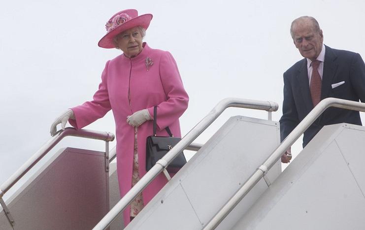 "Queen Elizabeth II to stay at Windsor Castle, ""indefinitely"""