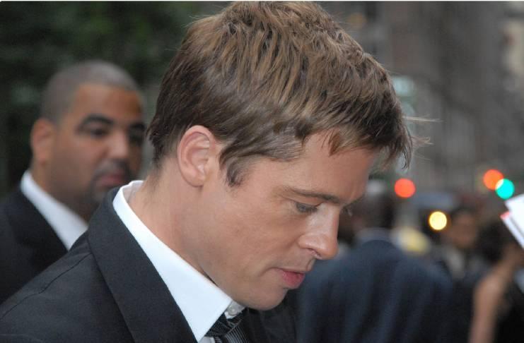 Brad Pitt allegedly apologized to Jennifer Aniston