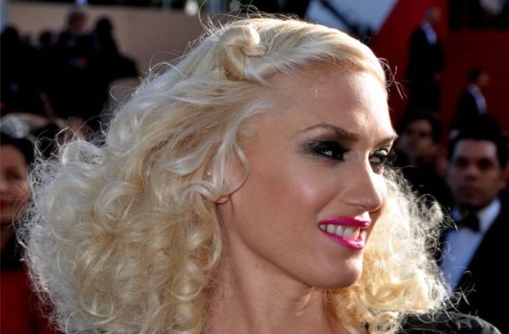 Gwen Stefani supports Barack Obama but Blake Shelton doesn't?