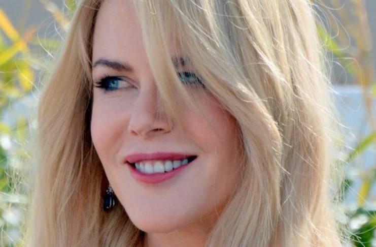 Nicole Kidman divorces Tom
