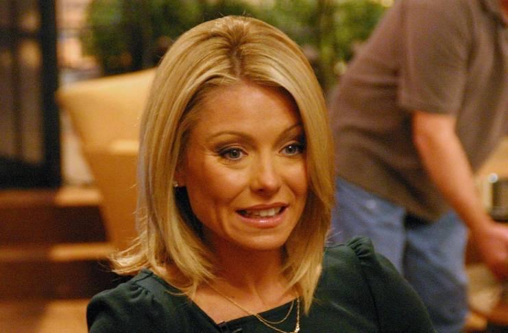 Kelly Ripa denies thatshe was seriously ill
