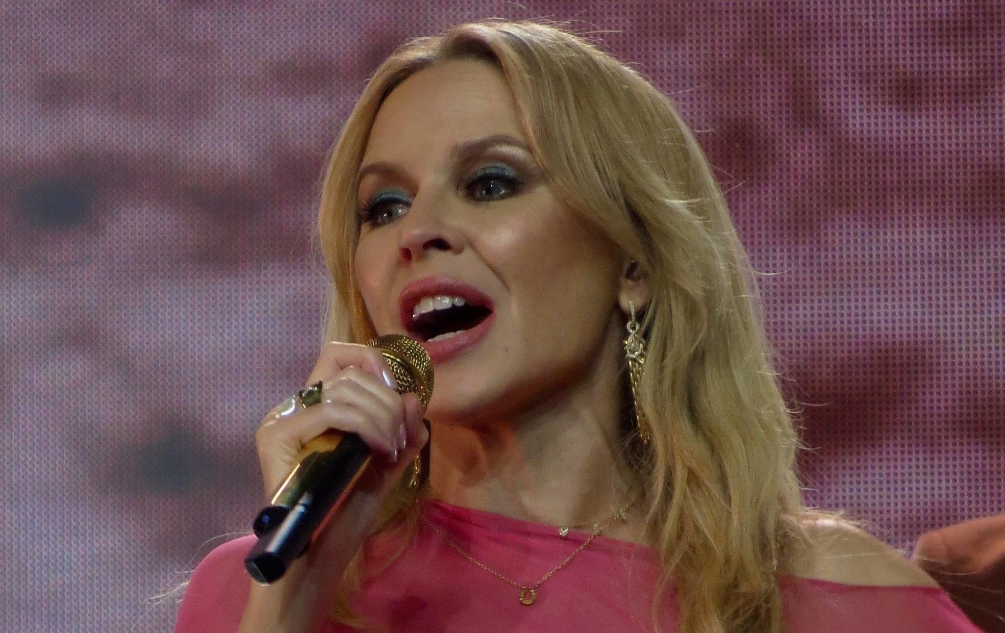 Kylie Minogue breast cancer diagnosis