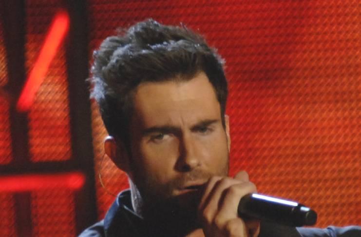 Blake Shelton forcing Adam Levine to perform at his wedding?