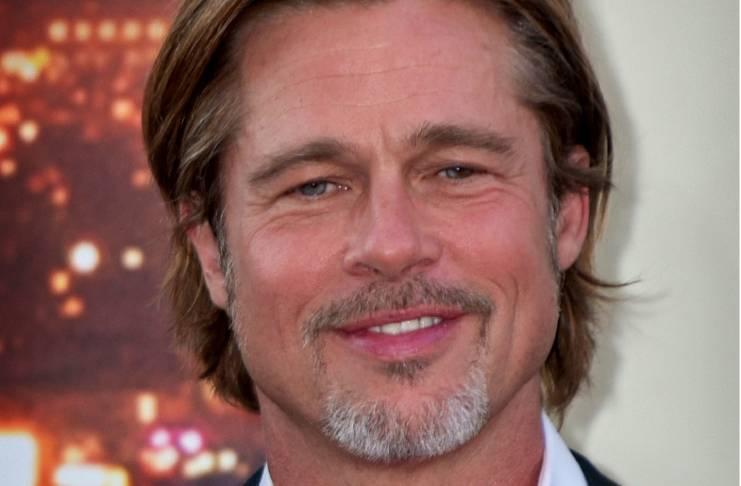 Brad Pitt giving Jennifer Aniston the cold shoulder