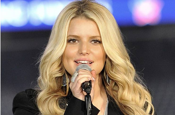 Jessica Simpson accuses the singer of cheating