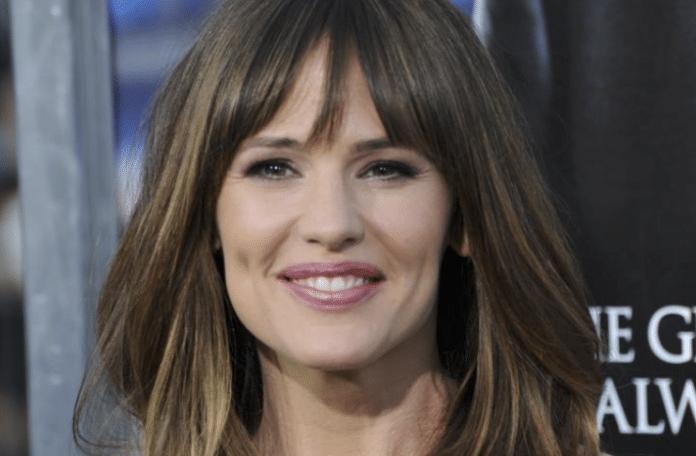 Jennifer Garner shares 'temper tantrums' as a mom, own 'Yes Day'