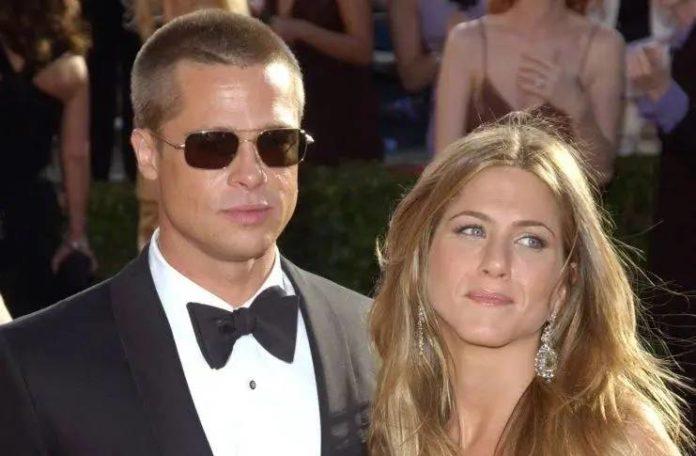 Brad Pitt mom wants him to gets back with Jennifer Aniston: rumor