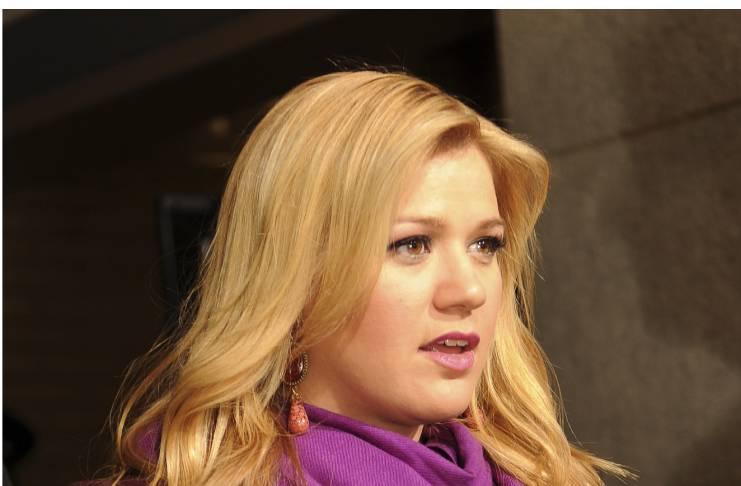 Kelly Clarkson show a huge success